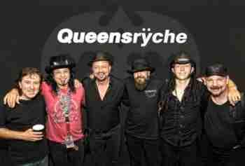 Queensrÿche (Queensryche)