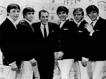 The_Dave_Clark_Five_with_Ed_Sullivan